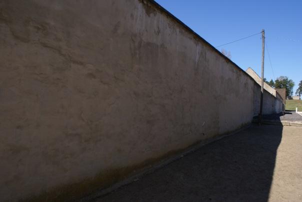 стіна в Равенсбрюці