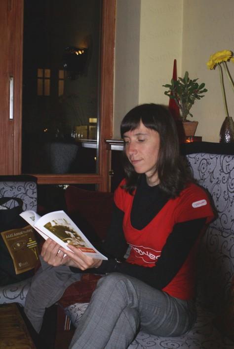 Галина Петросаняк читає свої вірші, червень 2009, Берлін