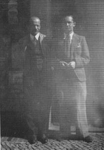 Андрій Сербіненко (зліва) з сином, Берлін 1936