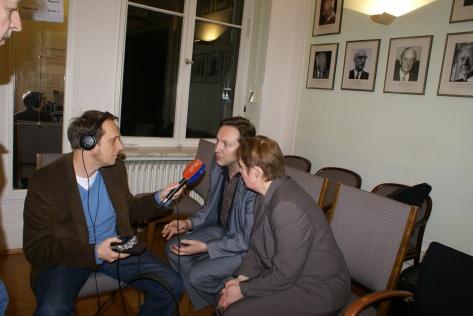 Юрій Стець дає інтерв'ю німецькому журналісту, Берлін, 21.03.2011